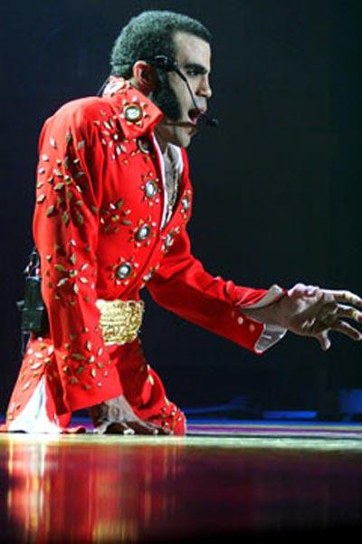 """""""Vua nhạc rock"""" Elvis nhỏ nhất thế giới - 1"""