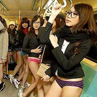 Đài Loan: Thiếu nữ mặc quần chip đi tàu điện