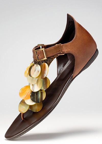 Bật mí xu hướng giày mùa Xuân/Hè 2011 - 11