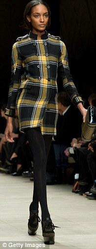 Sao thời trang hội tụ tại show Burberry - 13