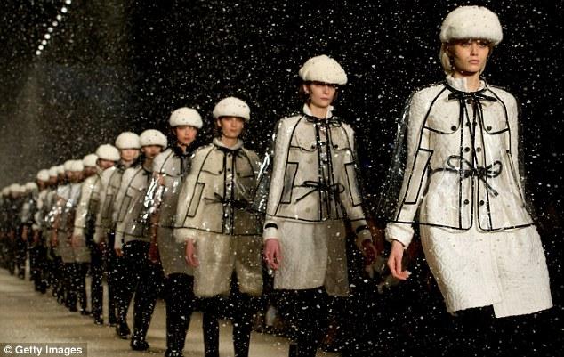 Sao thời trang hội tụ tại show Burberry - 15