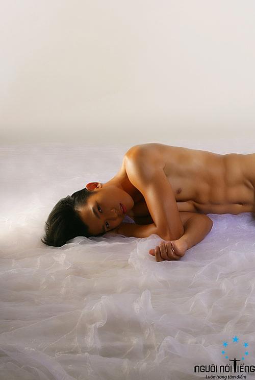 Siêu mẫu Ngọc Tình khỏa thân 100% - 3