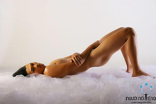 Siêu mẫu Ngọc Tình khỏa thân 100% - 7