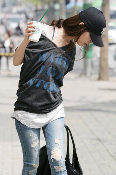 Cách phối đồ năng động với quần jeans - 15