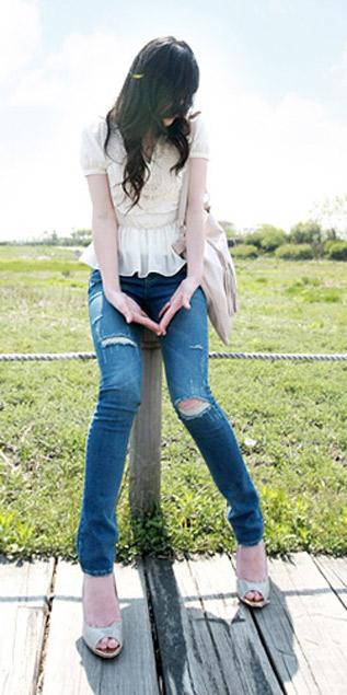 Cách phối đồ năng động với quần jeans - 18