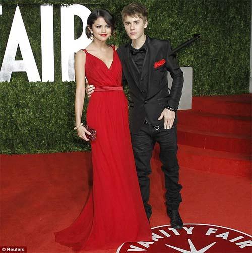 Justin Bieber và Selena Gomez công khai - 3
