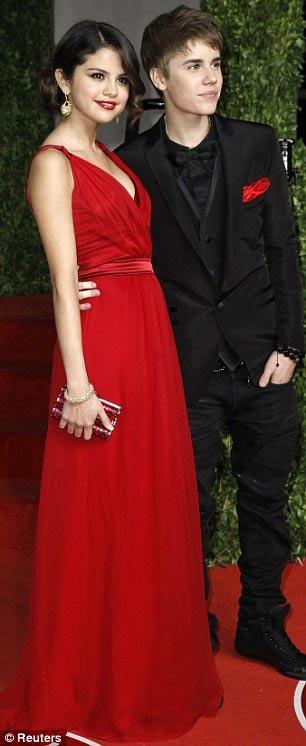 Justin Bieber và Selena Gomez công khai - 4