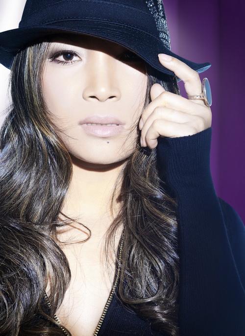 Hồng Ngọc đa phong cách trong album mới - 3