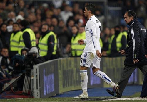 Ronaldo chấn thương: Lời cảnh báo - 2