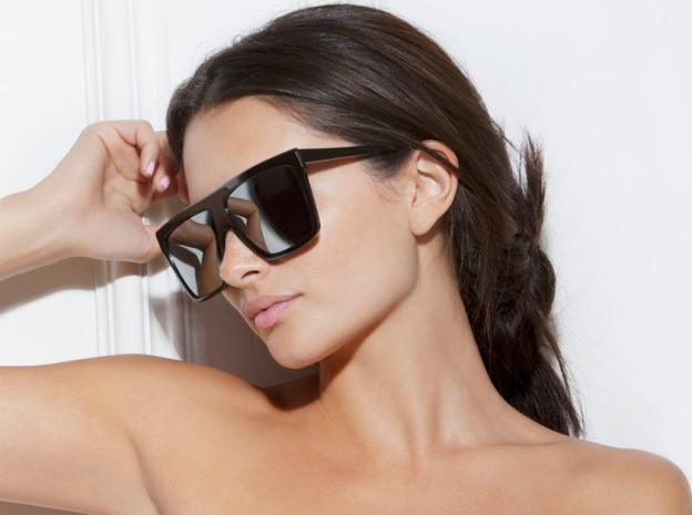 Victoria Beckham ra mắt bộ kính sành điệu - 2