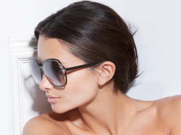 Victoria Beckham ra mắt bộ kính sành điệu - 3