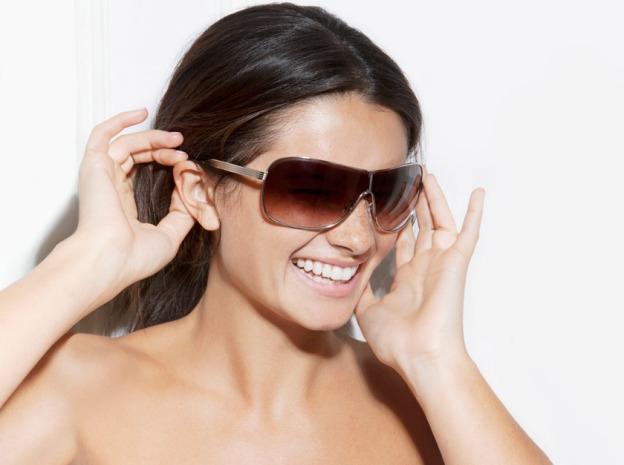 Victoria Beckham ra mắt bộ kính sành điệu - 9