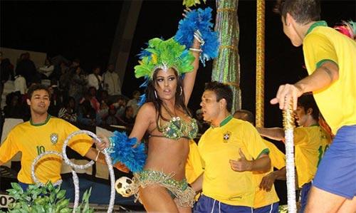 Người đẹp World Cup tỏa sáng tại lễ hội Carnival - 1