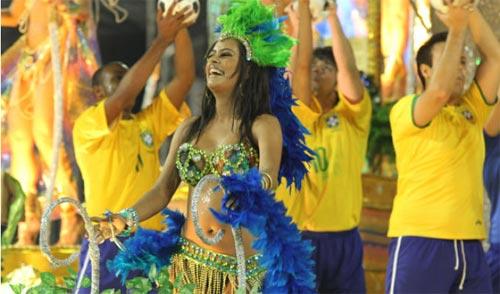 Người đẹp World Cup tỏa sáng tại lễ hội Carnival - 2