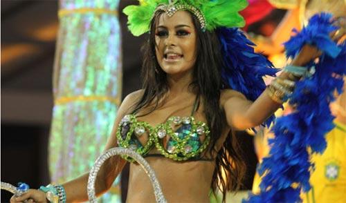 Người đẹp World Cup tỏa sáng tại lễ hội Carnival - 3