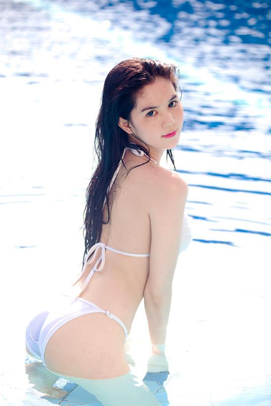 9X Ngọc Trinh bỏng mắt với bikini - 5