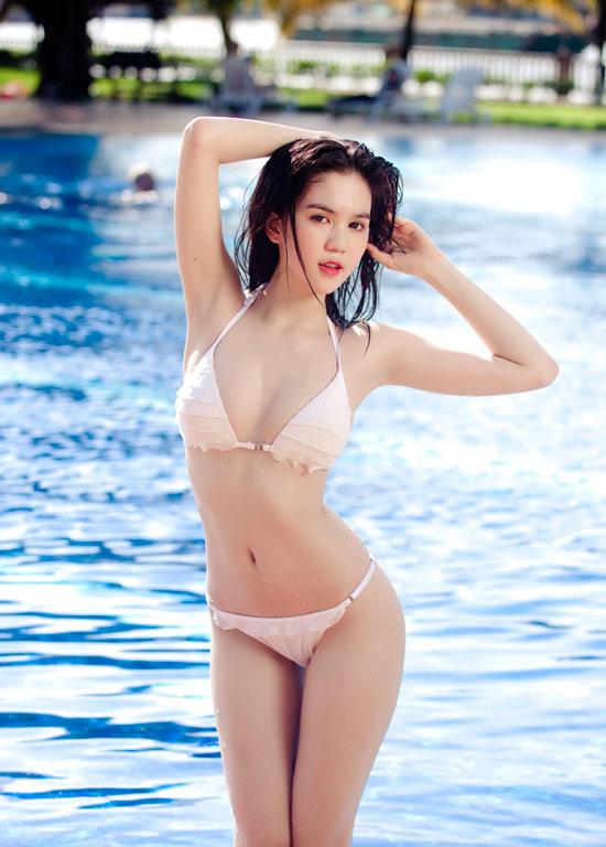 9X Ngọc Trinh bỏng mắt với bikini - 10