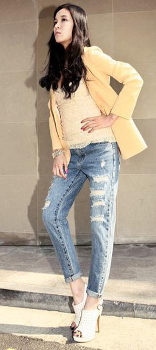 Mẹo mặc quần jeans rách tới công sở - 4