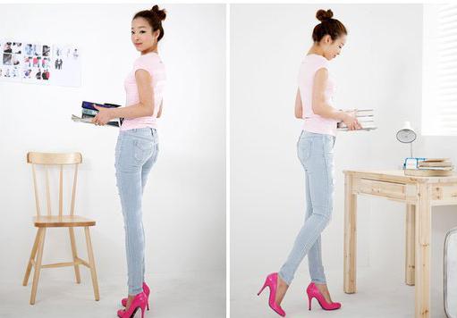 Mẹo mặc quần jeans rách tới công sở - 17