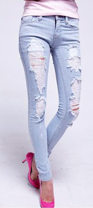 Mẹo mặc quần jeans rách tới công sở - 15