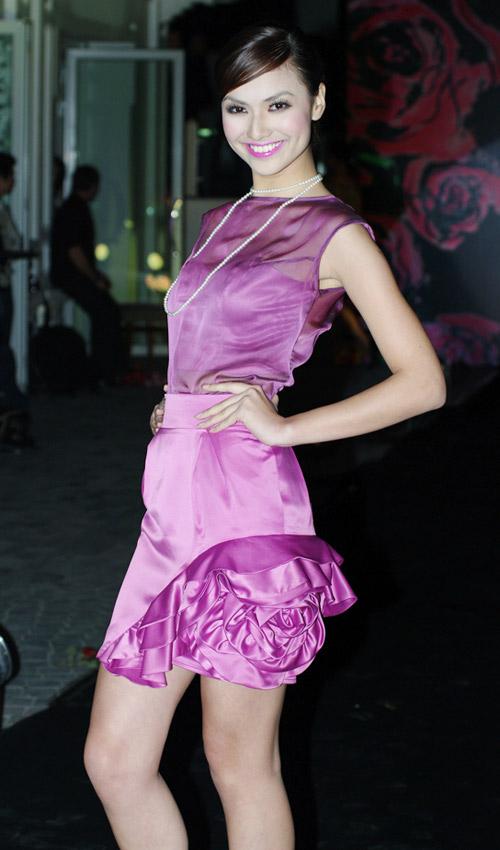Hồng Quế xinh đẹp trong váy voan mỏng - 5
