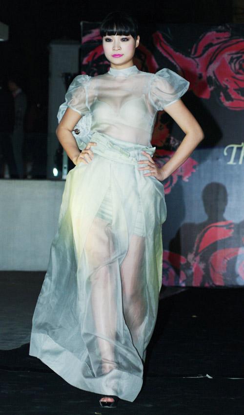 Hồng Quế xinh đẹp trong váy voan mỏng - 6
