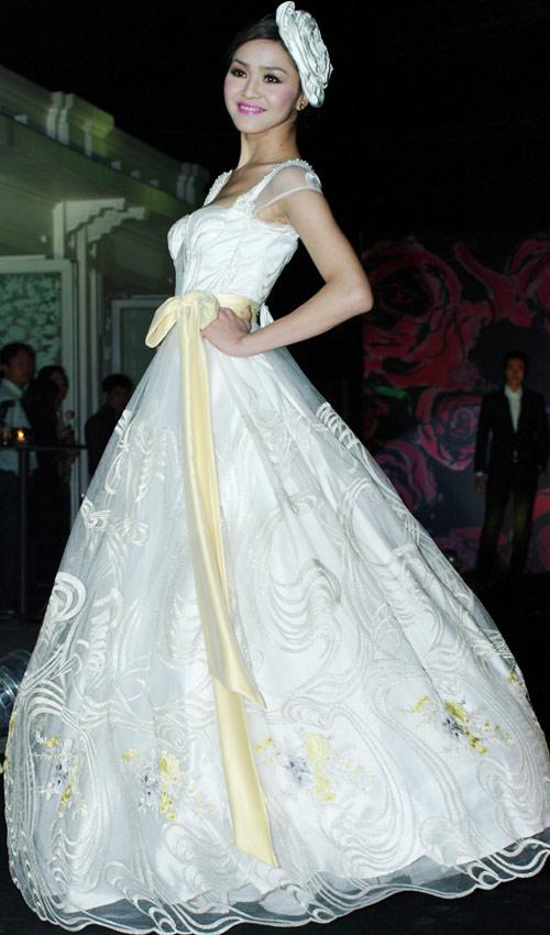 Hồng Quế xinh đẹp trong váy voan mỏng - 13