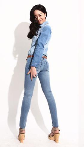 7 ngày phong cách với quần jeans - 1