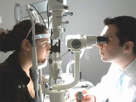 Bệnh Glaucoma và cách điều trị - 1