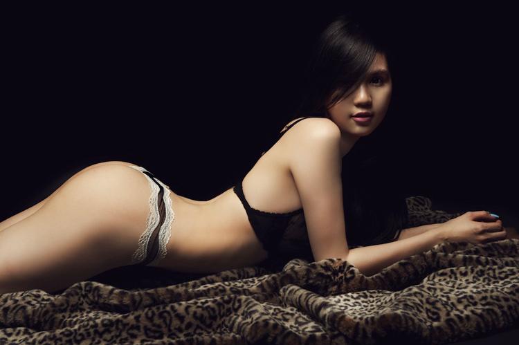 Top 5 vòng 3 đẹp nhất của mỹ nhân Việt - 5