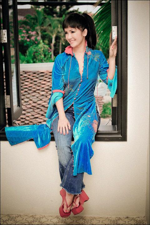 Sao Việt xấu - đẹp với áo dài cách tân - 7