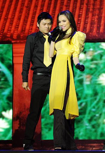 Sao Việt xấu - đẹp với áo dài cách tân - 1