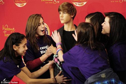 Justin Bieber có 'anh em sinh đôi' - 6