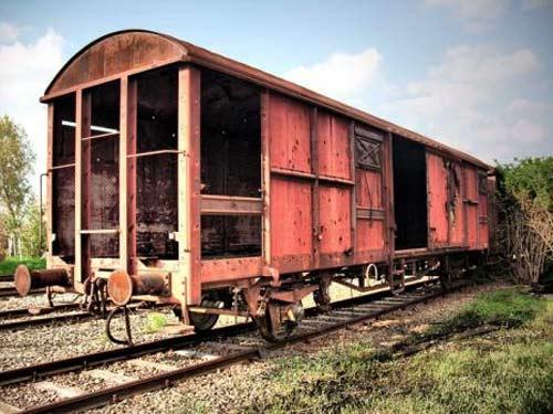 10 nhà ga bỏ hoang ma ám - 11