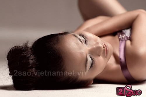 Kim Hiền sexy với vai trần - 11