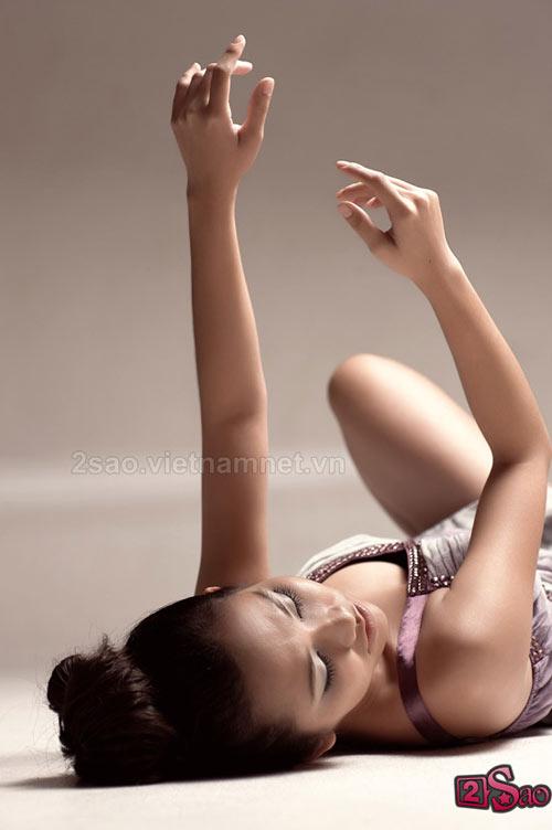 Kim Hiền sexy với vai trần - 9