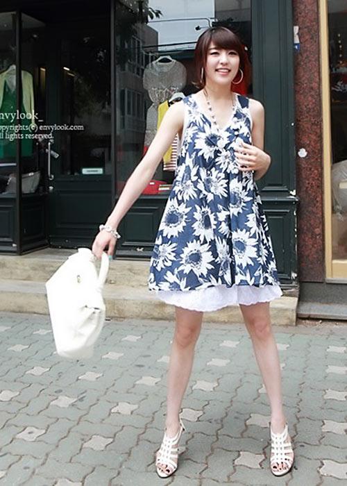 Diện váy hoa đón nắng ấm - 7
