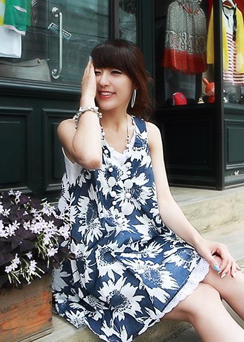 Diện váy hoa đón nắng ấm - 8