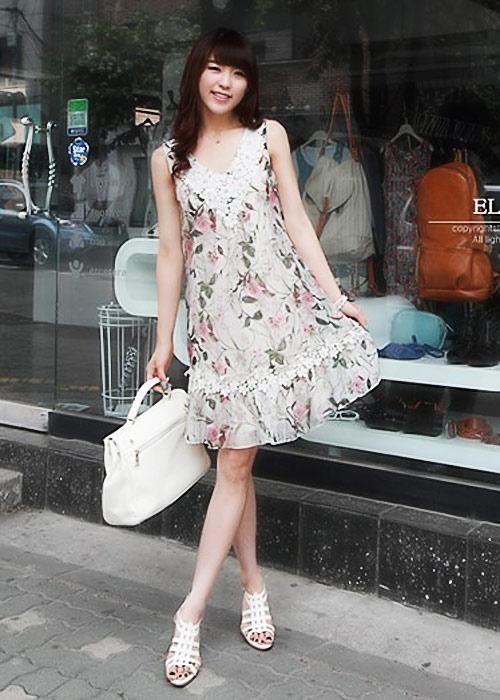 Diện váy hoa đón nắng ấm - 9