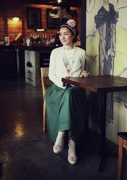 'Mix' áo cho chân váy dài duyên dáng - 7