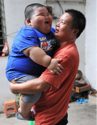 Siêu bự 3 tuổi nặng 60 kg - 1