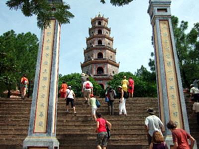 Bí ẩn lời nguyền chùa Thiên Mụ, Tin tức trong ngày, chua thien mu, xu hue, song huong, thien mu, loi nguyen