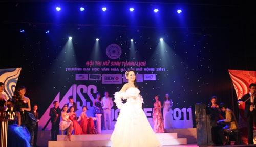 Em gái Công Vinh trở thành Hoa khôi Đại học Văn hóa mở rộng - 12