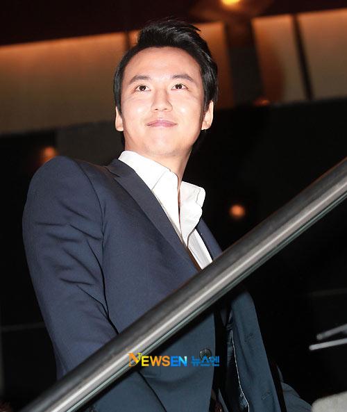 Toàn cảnh đám cưới của Jung Joon Ho - 15