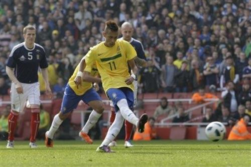 Video Brazil - Scotland: Hứng khởi (Giao hữu) - 1