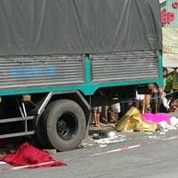 Xe khách đổ dốc, 5 người chết tại chỗ