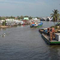 Nước sông Sài Gòn vượt báo động 1