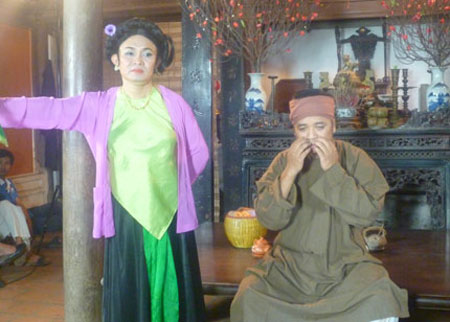 Xem Xuân Hinh giả gái trong hài tết 2012 - 9