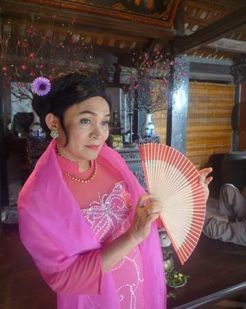 Xem Xuân Hinh giả gái trong hài tết 2012 - 7