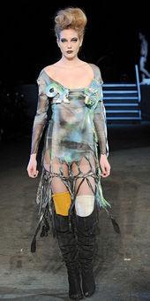 4 show thời trang gây ám ảnh nhất năm - 14